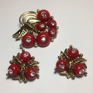 Vintage Red & Gold Brooch & Clip On Earrings